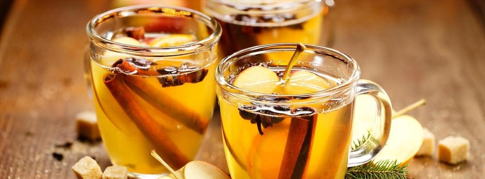 Amaretto, Punsch, Apfelsaft, Weihnachten, Advent, Adventsschmankerl
