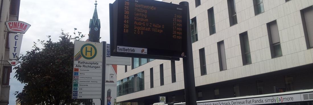 © invg Digitale Hinweisschilder an den Bushaltestellen