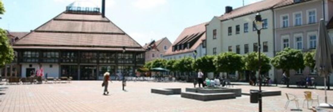 © Neuburg Schrannenplatz